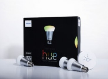 Philips customizable LED bulbs available exclusively on Apple stores